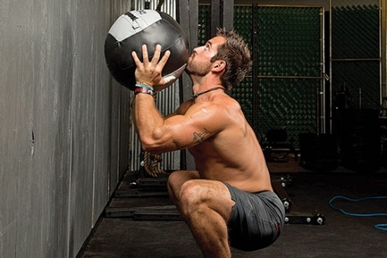 Wall ball CrossFit