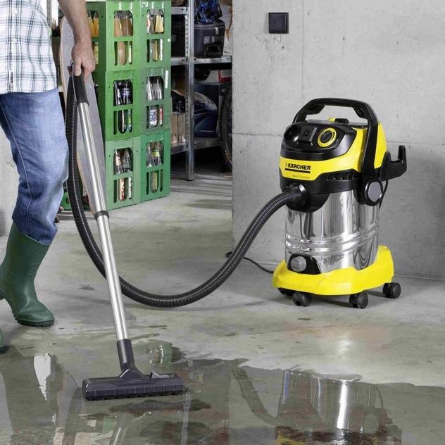 Meilleur aspirateur poussières eau