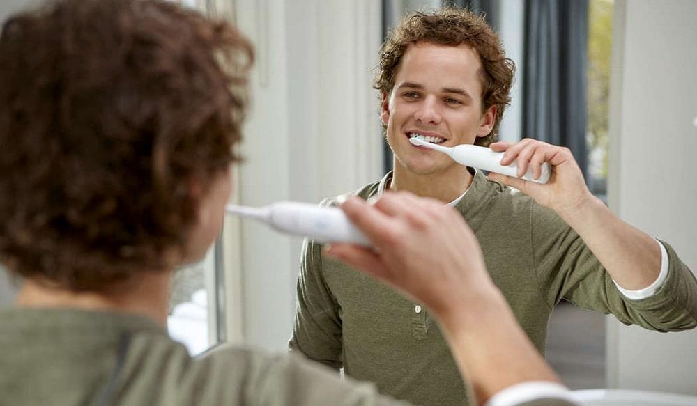 Avis sur la brosse à dents électrique Philips Sonicare HX3212/07