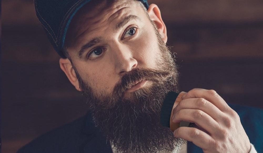 Comment bien brosser sa barbe