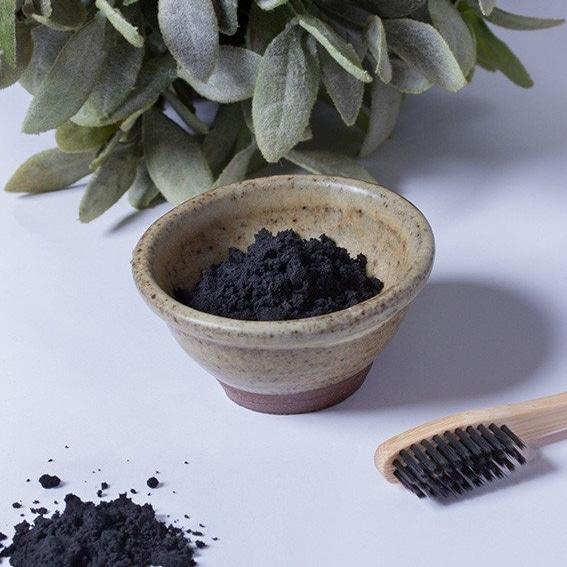 charbon actif pour les dents