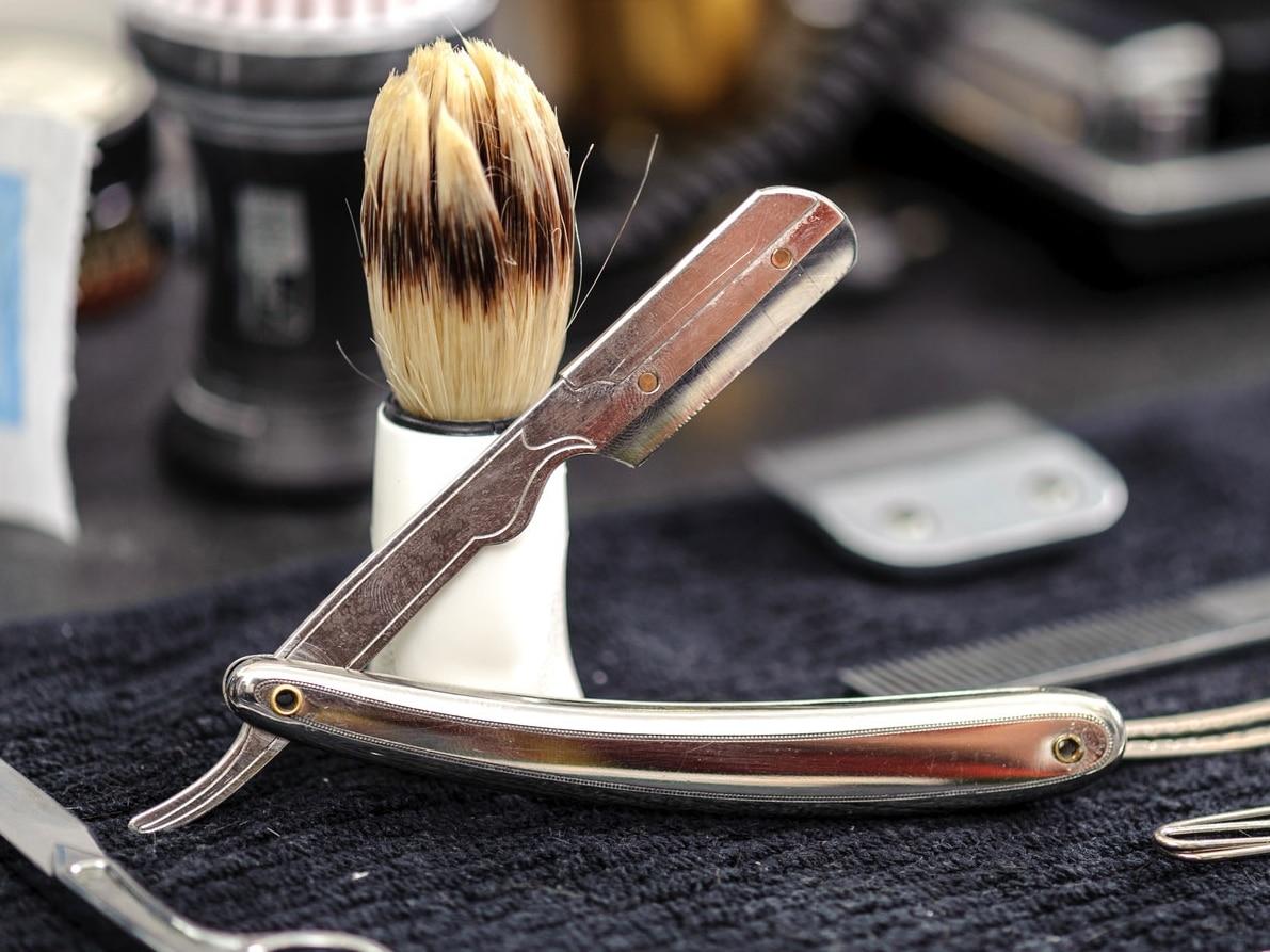 quel est le meilleur rasoir droit shavette en 2018 nos avis. Black Bedroom Furniture Sets. Home Design Ideas