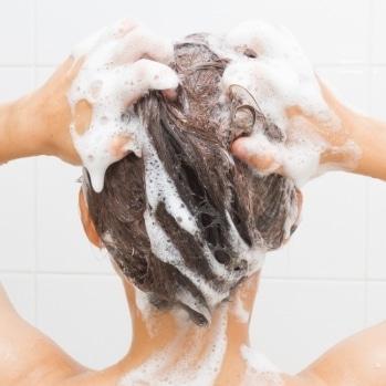 Cheveux lisses plus longtemps produits et soins