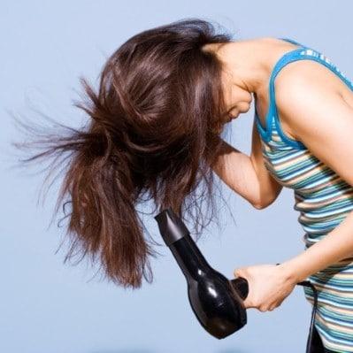 Cheveux moins gras sèche cheveux