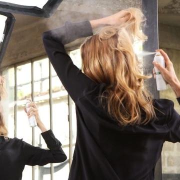 Cheveux moins gras shampoing sec
