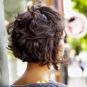 Idées coiffures cheveux courts