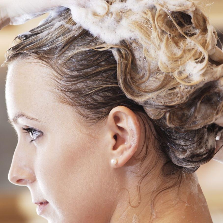 Lisser les cheveux au lisseur préparation