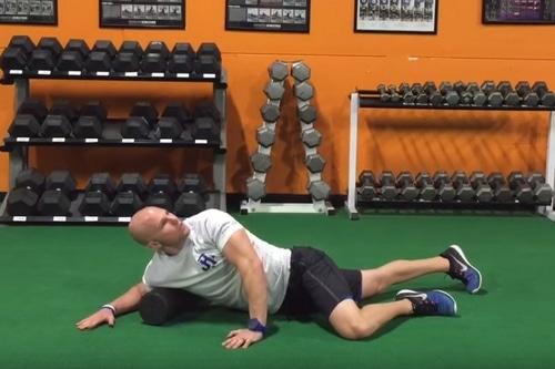 Exercice rouleau massage mobilité pectoraux