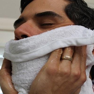 Eviter bouton rasage nettoyage visage