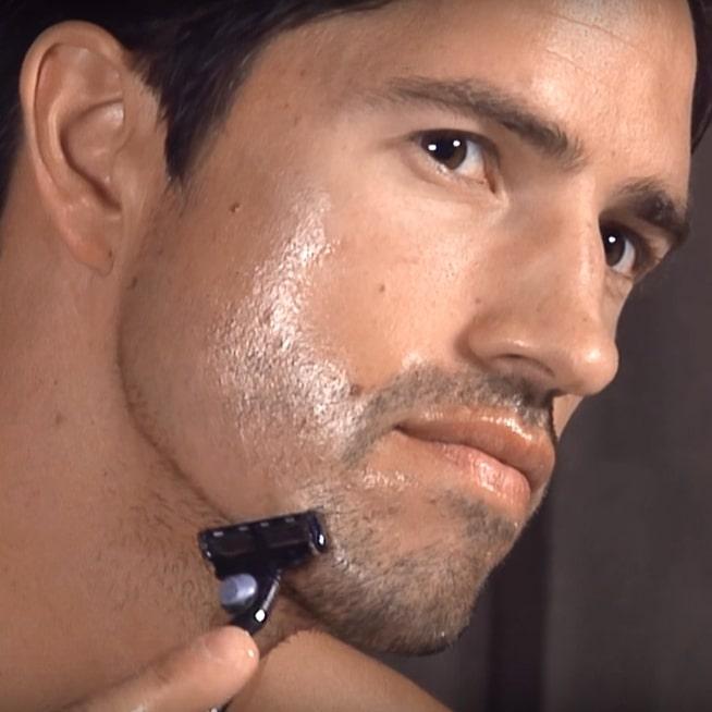 Huile de rasage pour se raser