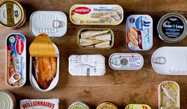 Aliments riches en protéines boites de conserve