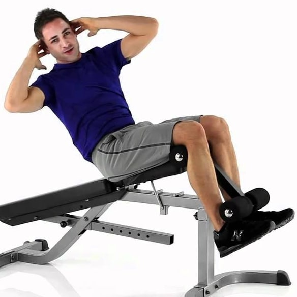 Exercices abdos sit up incliné