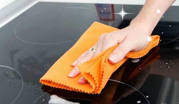 Nettoyer plaques vitrocéramique