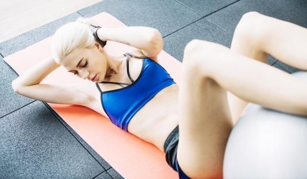 Programme abdos femme ventre plat