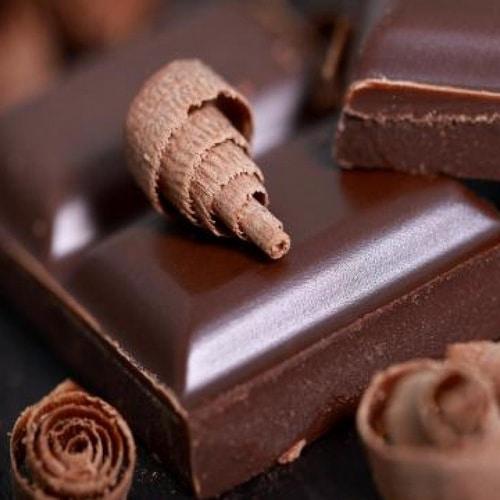 Bons mauvais aliments dents chocolat noir