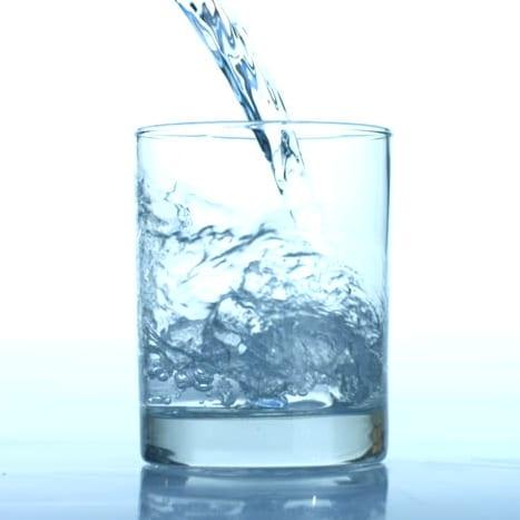 Bons mauvais aliments dents eau