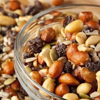 Bons mauvais aliments dents graines noix céréales