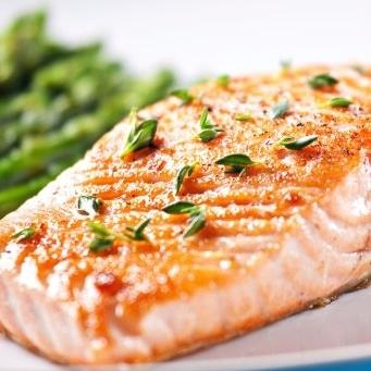 Bons mauvais aliments dents poisson