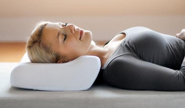 quel est le meilleur oreiller du monde pour sauver vos. Black Bedroom Furniture Sets. Home Design Ideas
