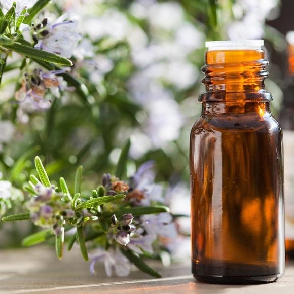 Remèdes acné adulte huiles essentielles