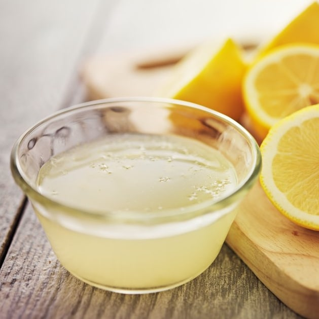 Remèdes acné adulte jus de citron