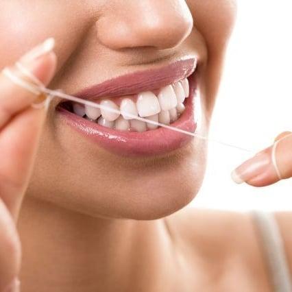 Renforcer dents gencives fil dentaire