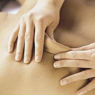 Technique massage dos palpé roulé