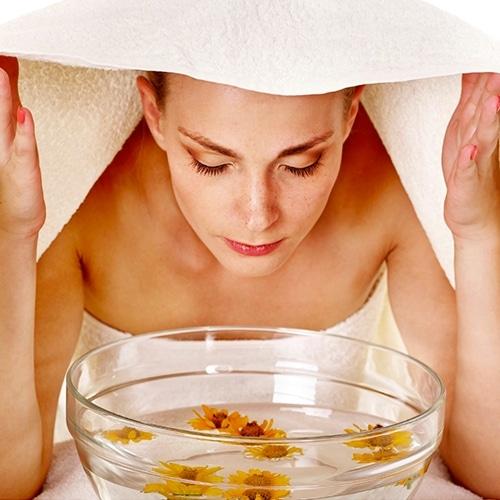 Utiliser tire comédon dilater pores