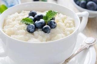 Recette multicuiseur dessert Riz au lait aux myrtilles