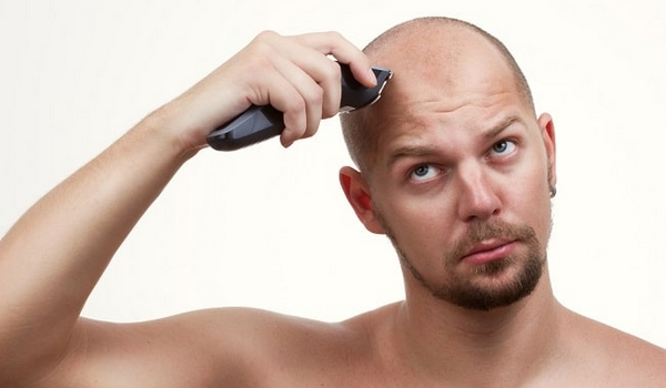 Chauve barbe raser tête