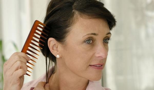 Perte cheveux femme raisons