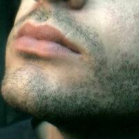 Rasage poils poussent plus vite mythe