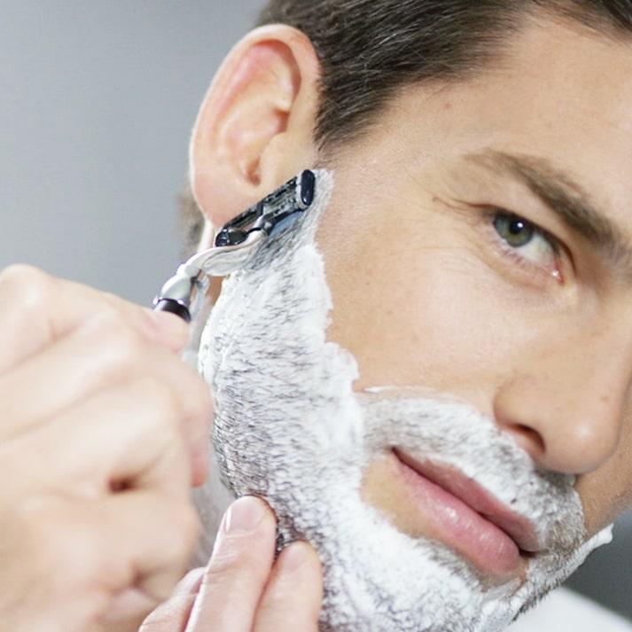 Rasage poils poussent plus vite