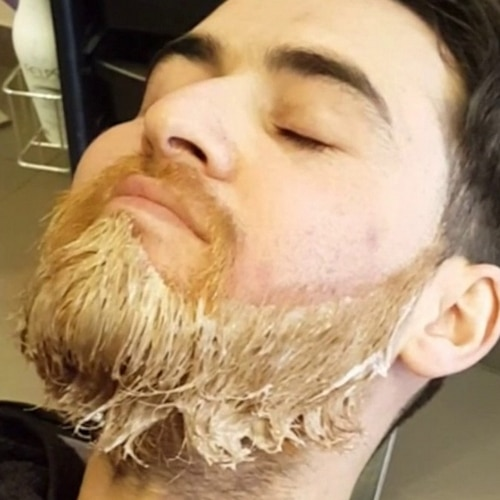 Teindre barbe comment