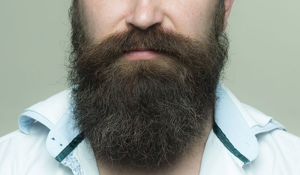 Teindre barbe pourquoi
