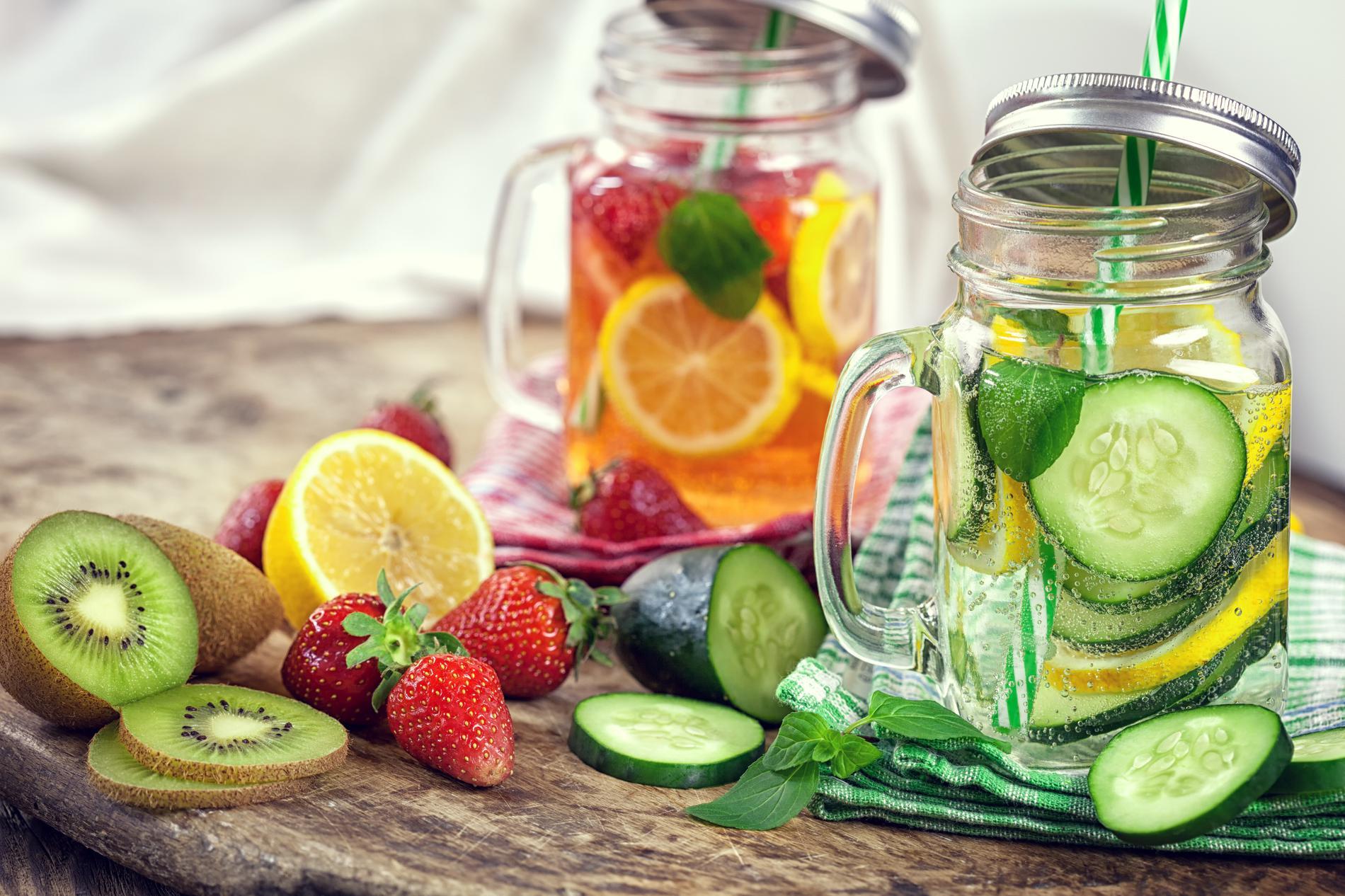 10 recettes de boissons drainantes maison pour maigrir - Boisson coupe faim maison ...