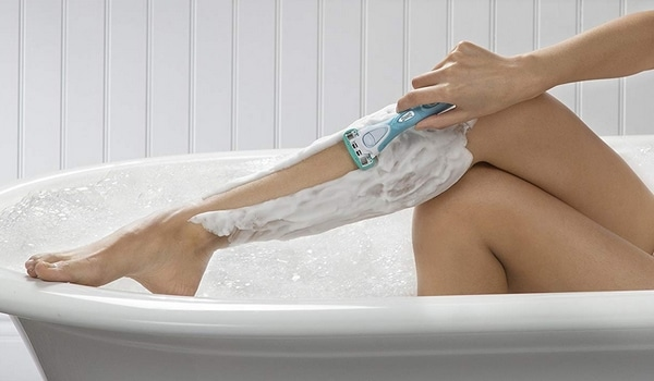 Comment bien choisir son rasoir manuel pour femmes