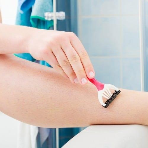 Comment bien se raser les jambes